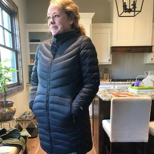 Women's LL Bean Ultralight 850 Down Coat